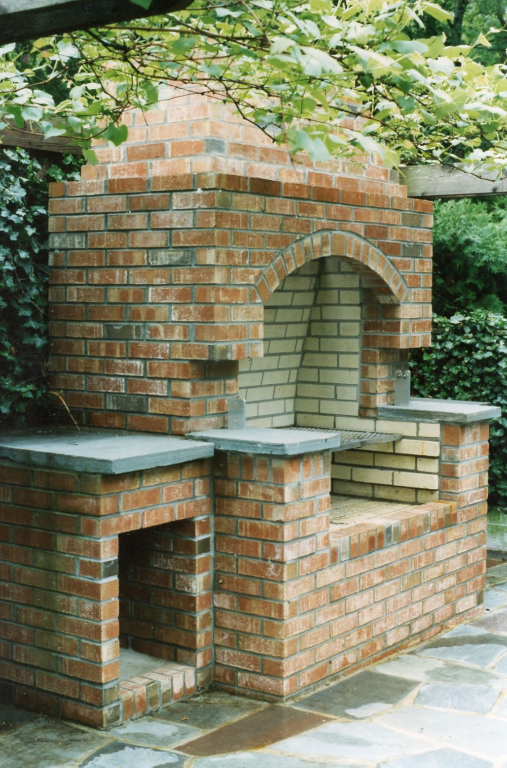 Outdoor BBQ & Fireplaces - Gray Masonry